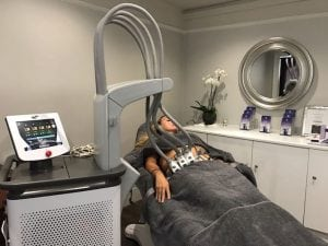 Lisa Barrett of UK Glowology tries SculpSure at S-Thetics